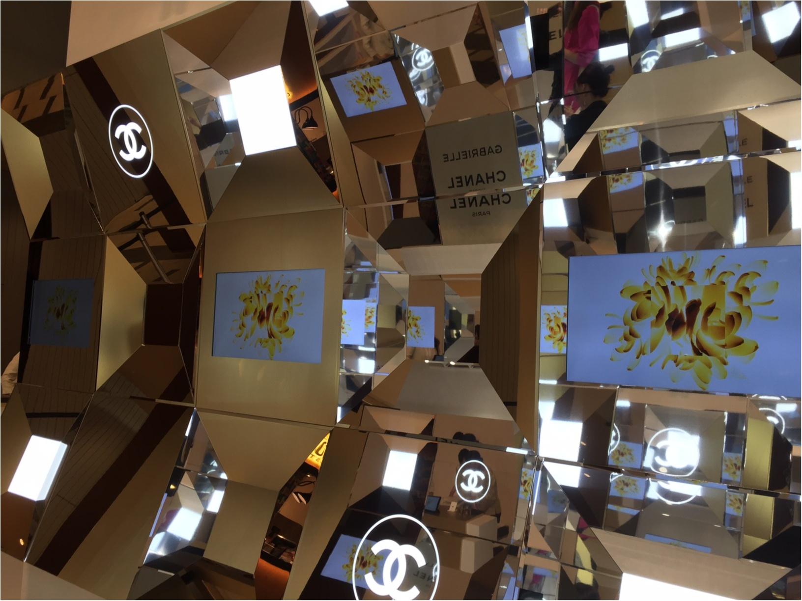 「ガブリエル シャネル」の香りを体感できるイベントスペースが、東京ミッドタウンに登場! SNS映え間違いなしの、美しすぎる空間をご覧あれ♡_1_5