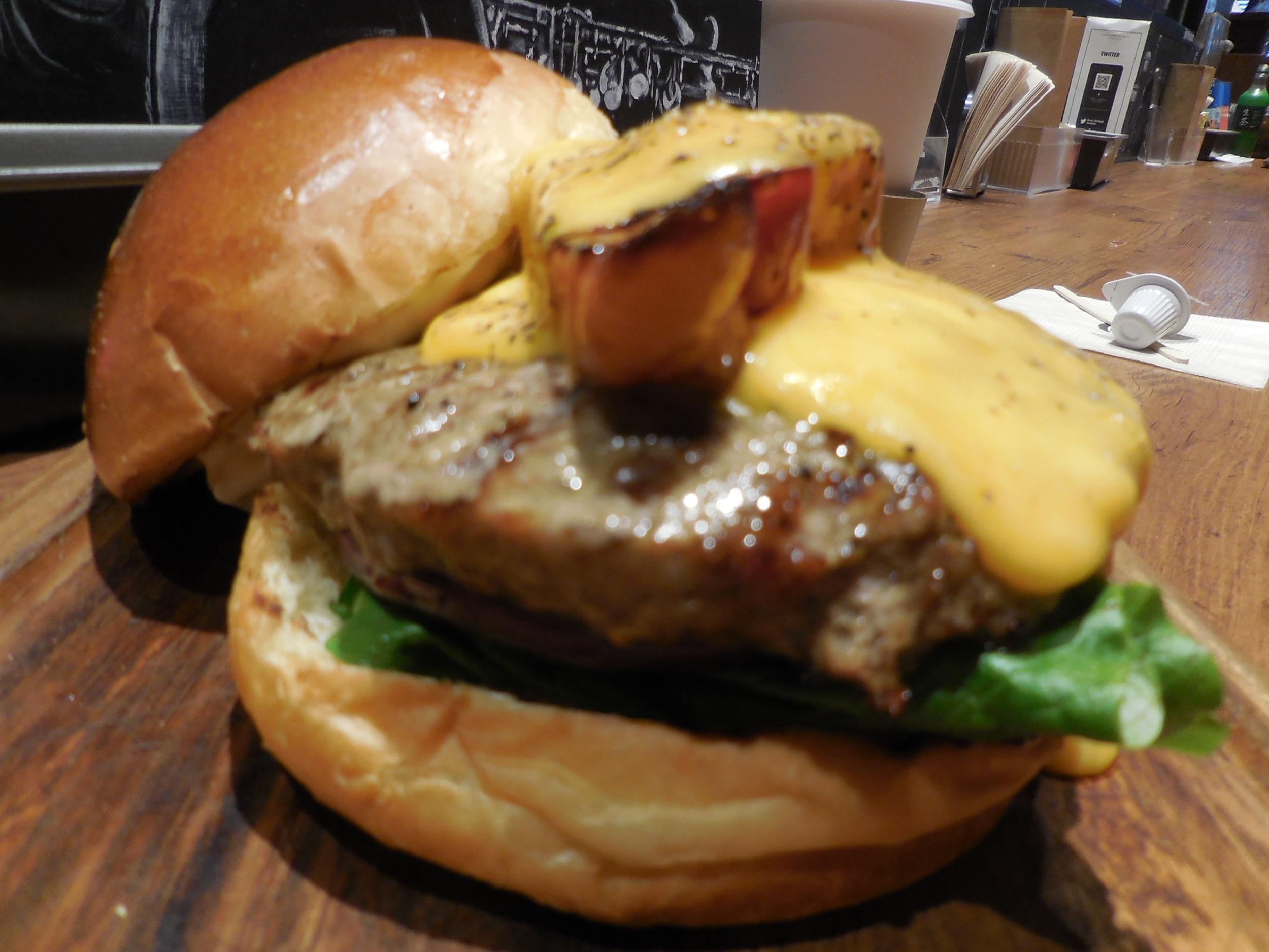 【メニューがリニューアル!】めちゃおいしかった!ヴィレッジヴァンガードダイナーのハンバーガー_10