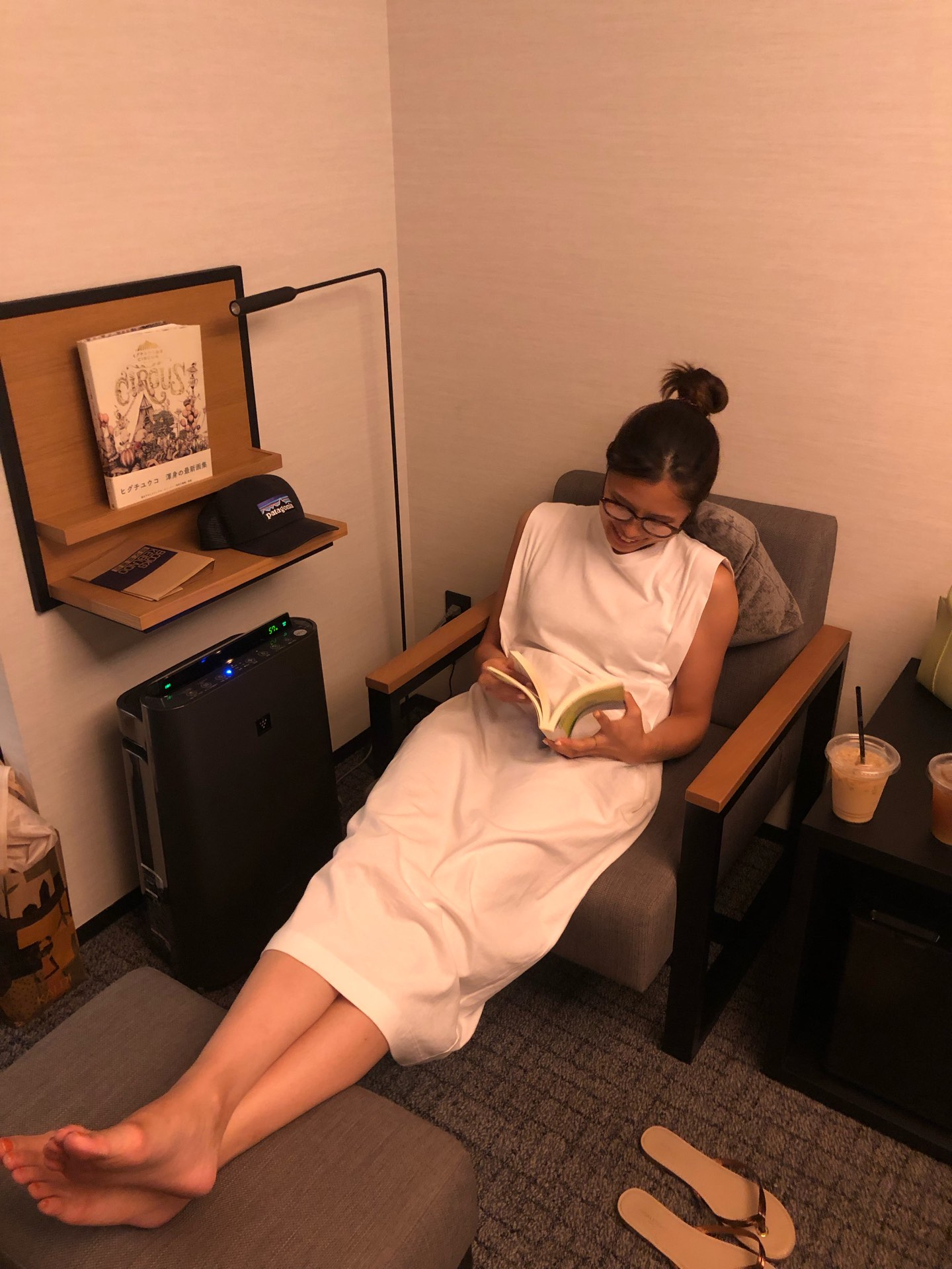 ホテル客室内ソファ写真