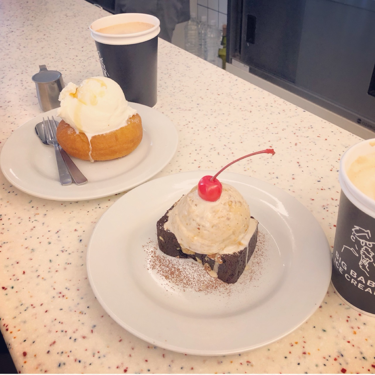 """注目のアイスクリームダイナー!フォトジェニックな""""ブラウニーアイスクリーム""""を食べに行ってきました♡_3"""