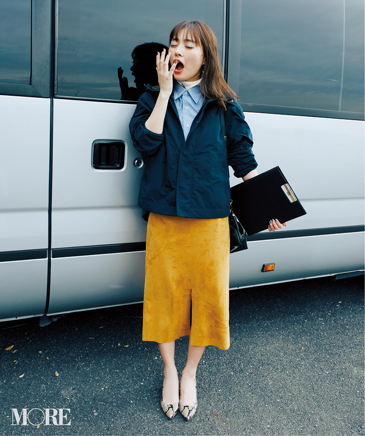 春のシャツコーデ特集《2019年版》- 20代女子におすすめ!オフィスカジュアルにちょうどいい きれいめシャツのコーディネートまとめ_21