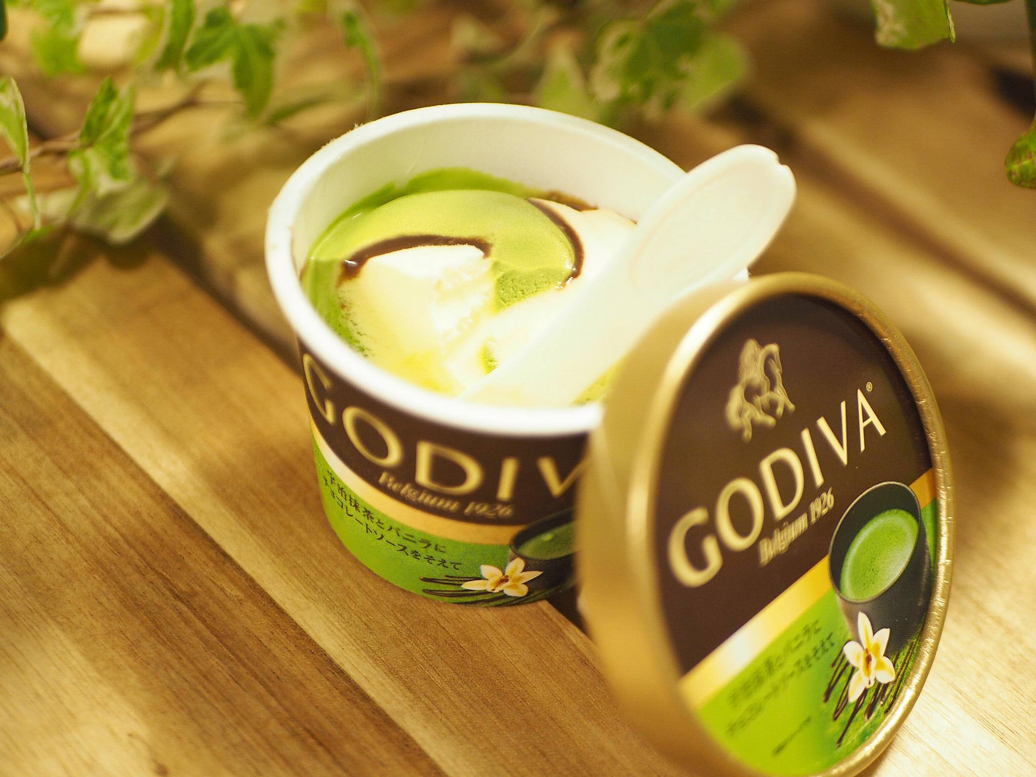 【おすすめアイス】《GODIVA×コンビニアイス》数量限定!「宇治抹茶とバニラにチョコレートソースを添えて」♡_5