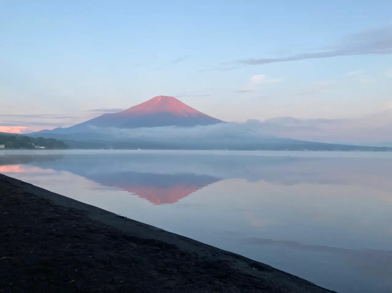 山中湖から見た富士山