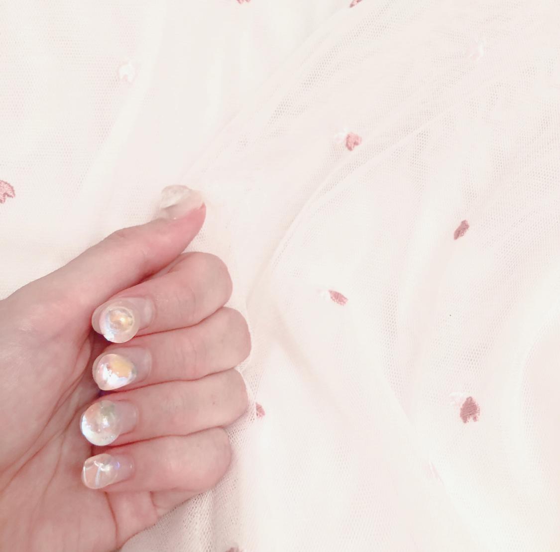 【夏ネイル】『ひとクセ』が可愛い♡夏の透明感ネイル_5
