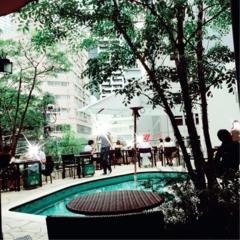 《都会のオアシス♡渋谷347cafe》プールサイドでおしゃれランチ女子会はいかが?