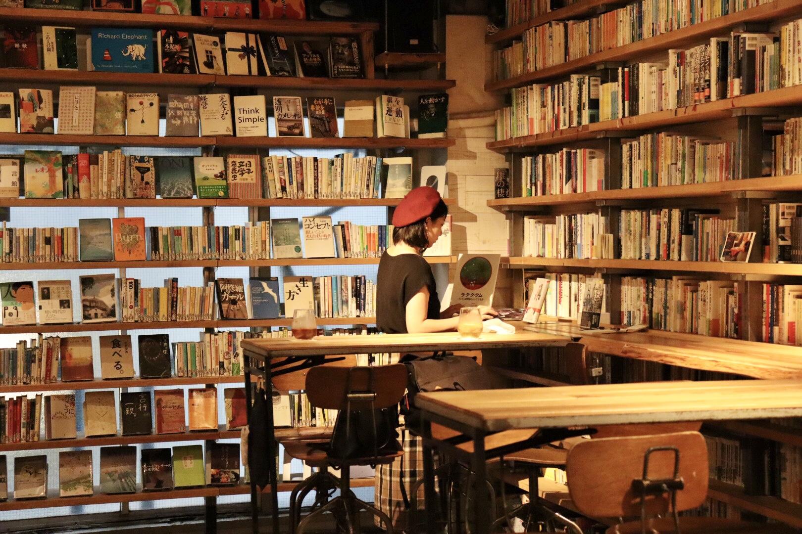 【飲食OK、おしゃべりOK、夜も開館】渋谷の穴場図書室_6