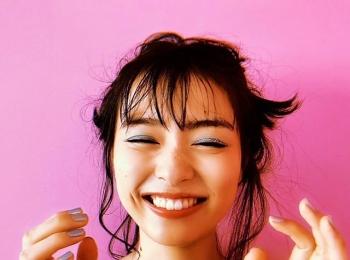 #内田理央 くしゃっとした笑顔もこんなに可愛い♡【MORE SMILEUP CHALLENGE 9】