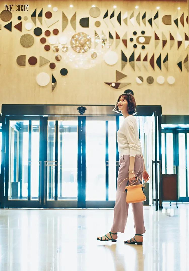 【春夏カーディガンコーデ】白×ピンクのやさしげ色で女性らしく