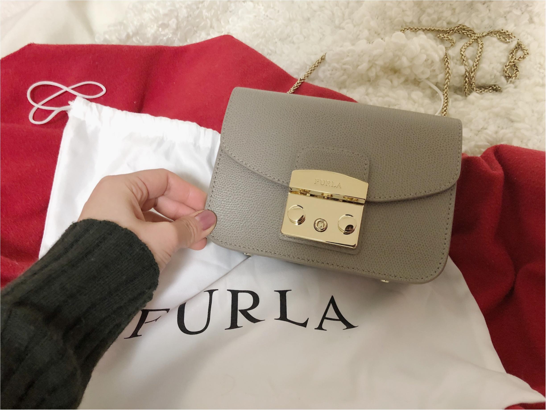 お気に入りの小さいバッグは《FURLA》!バッグの中身はお気に入りがいっぱいなんです!_1