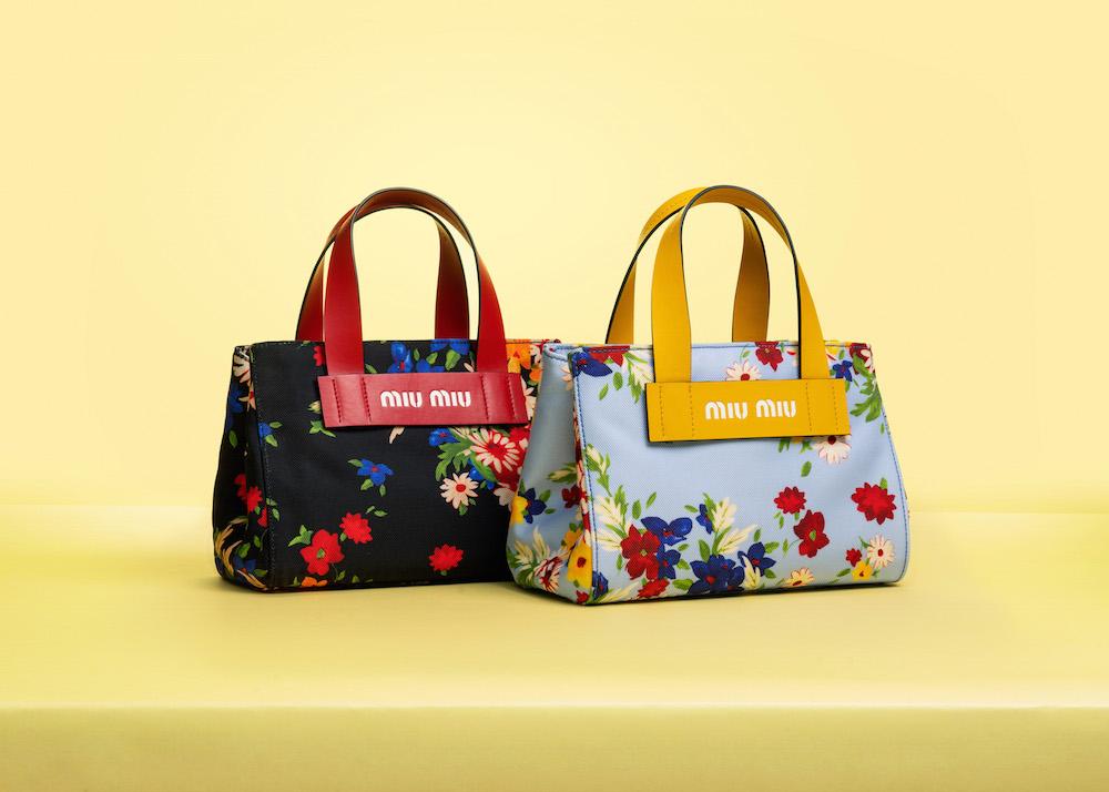 『ミュウミュウ』から日本限定のトートバッグが登場♡ フラワーブーケ柄と新ロゴ、どっちも気になる!_1