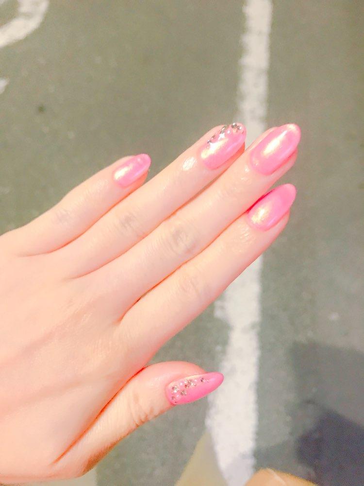 *・゜゚・*春を先取り*・゜゚・*大人可愛いピンクネイルはシルバー入りがオススメ♡_2