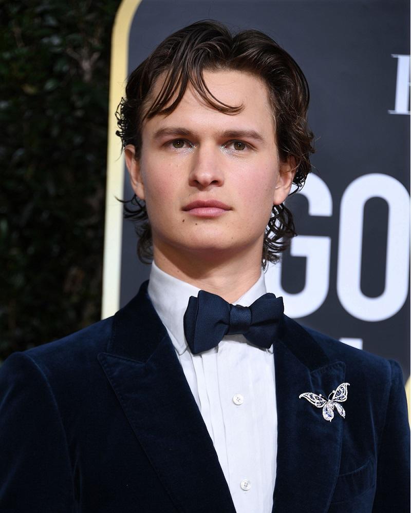 アンセル・エルゴートはアイメイクもキラキラ。ゴールデングローブ授賞式で若手俳優が魅せた!_1