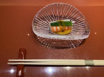 銀座の美味しいお寿司屋さんに行ってきました。