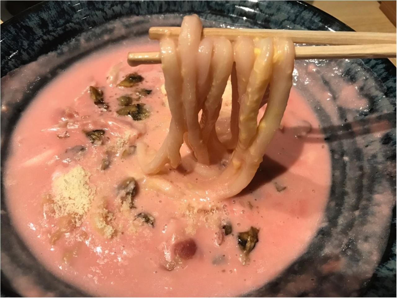 ピンク色が目を引く一品‼︎気になる『ピンクビーツクリームのおうどん』を食べてみた♡_2