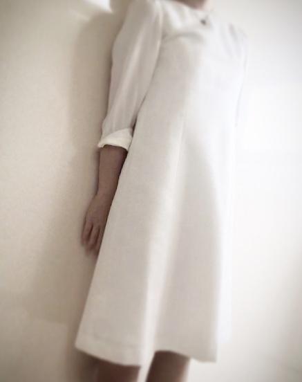 【オフィスコーデ】白なのに痩せて見える!?憧れのワンピースをゲットしちゃいました!_2