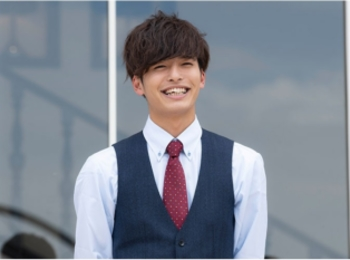 笑顔が弾ける22歳の商社マンのイケメン 相馬 理さん【 #私の年下王子さま 撮影オフショット】