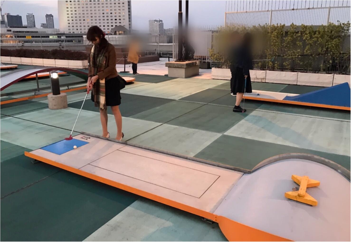 《大人気‼︎》横浜の夜景を見ながら大人のデート♡初心者でも大丈夫‼︎屋上のバーンゴルフ場は新デートスポット( ´艸`)_2