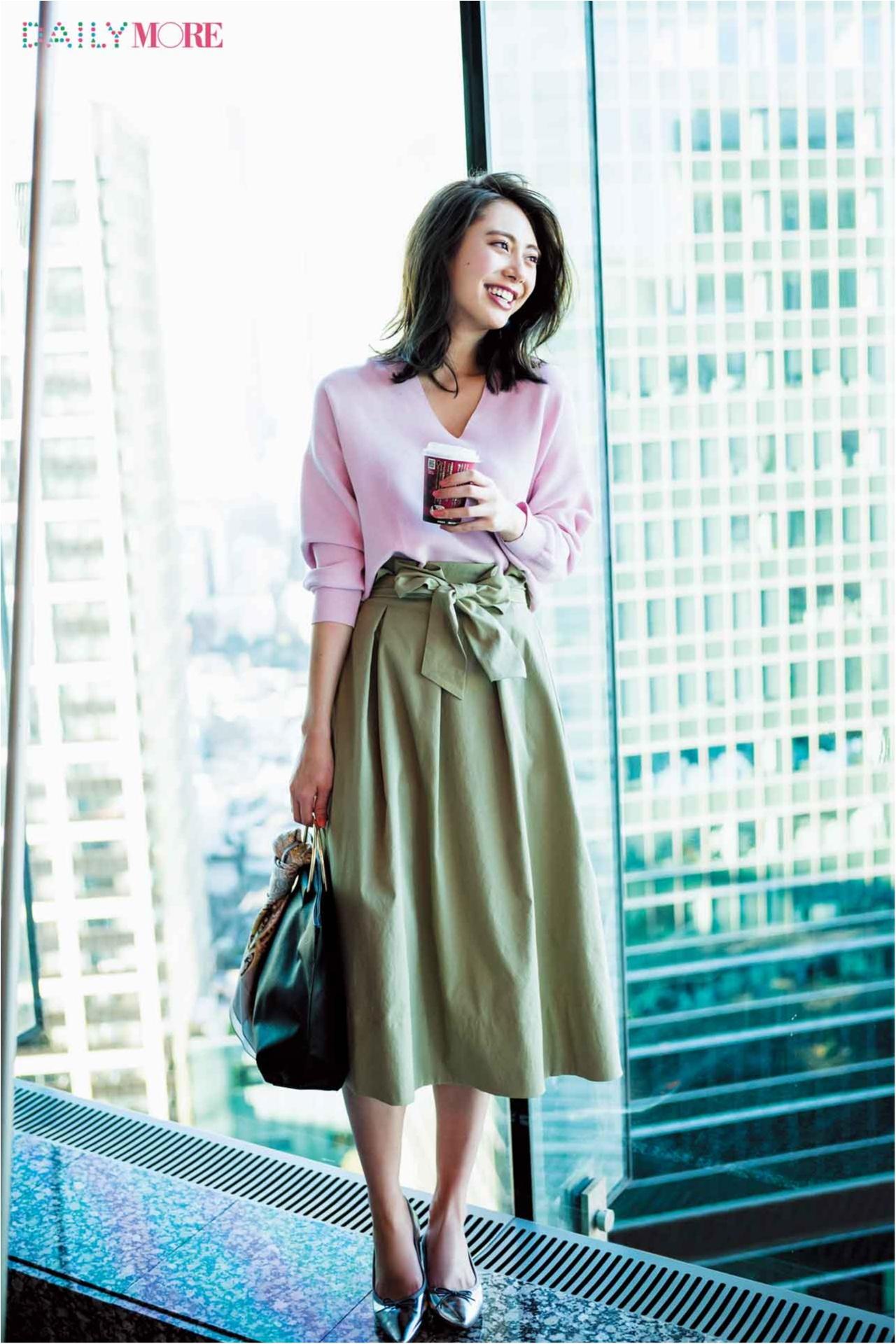 【今日のコーデ/土屋巴瑞季】後輩の研修担当に。ピンクニット×フレアスカートで親しみやすさを♡_1