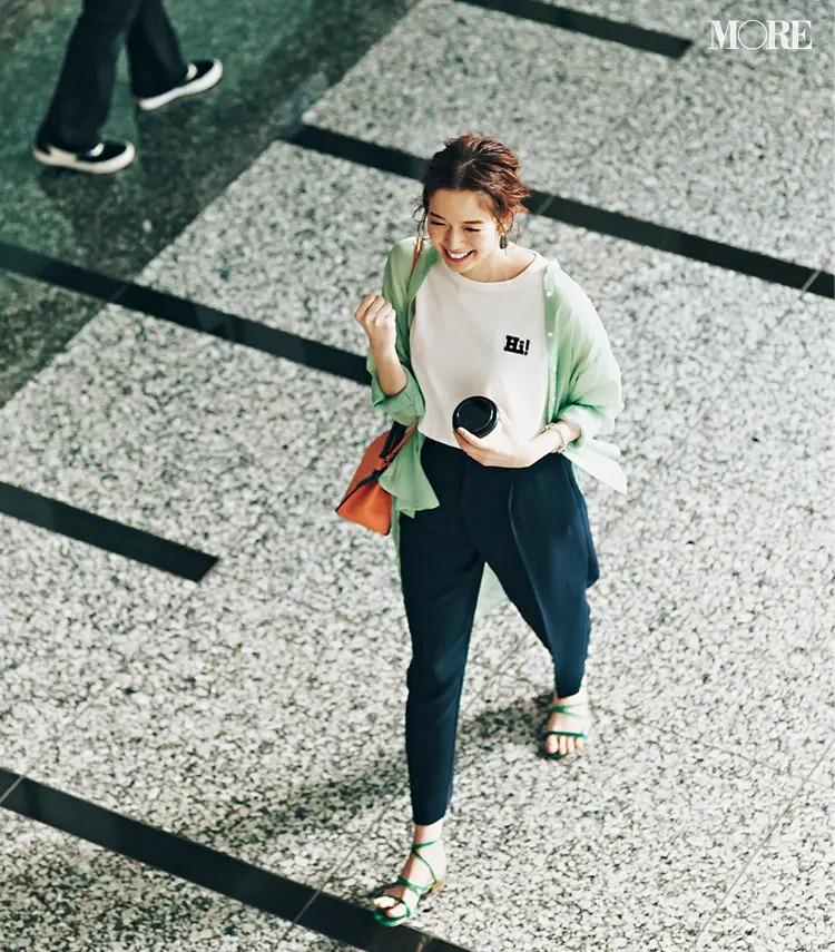 【白Tシャツコーデ】ミントグリーンのシアーシャツ×白T×クロップトパンツ