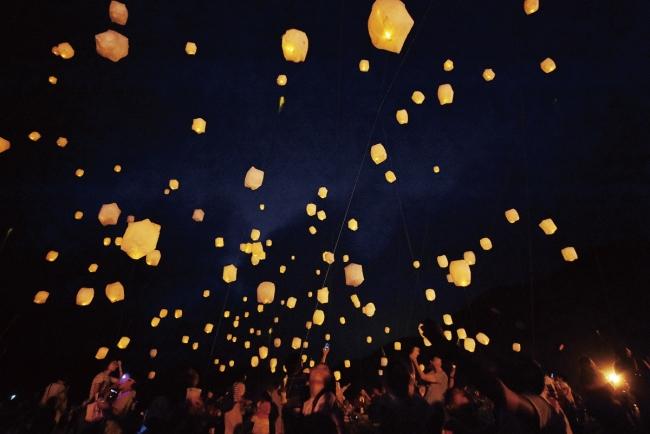 約500個のランタンが夜空に浮かぶ「スカイランタンナイトin 南伊豆」が3日間限定開催! 幻想的な光景にうっとり♡_1