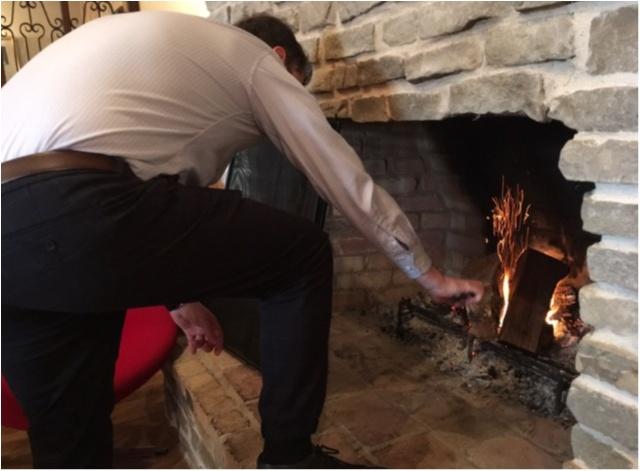 赤を着てでかけよう❤️暖炉のあるカフェであったかランチ。_12