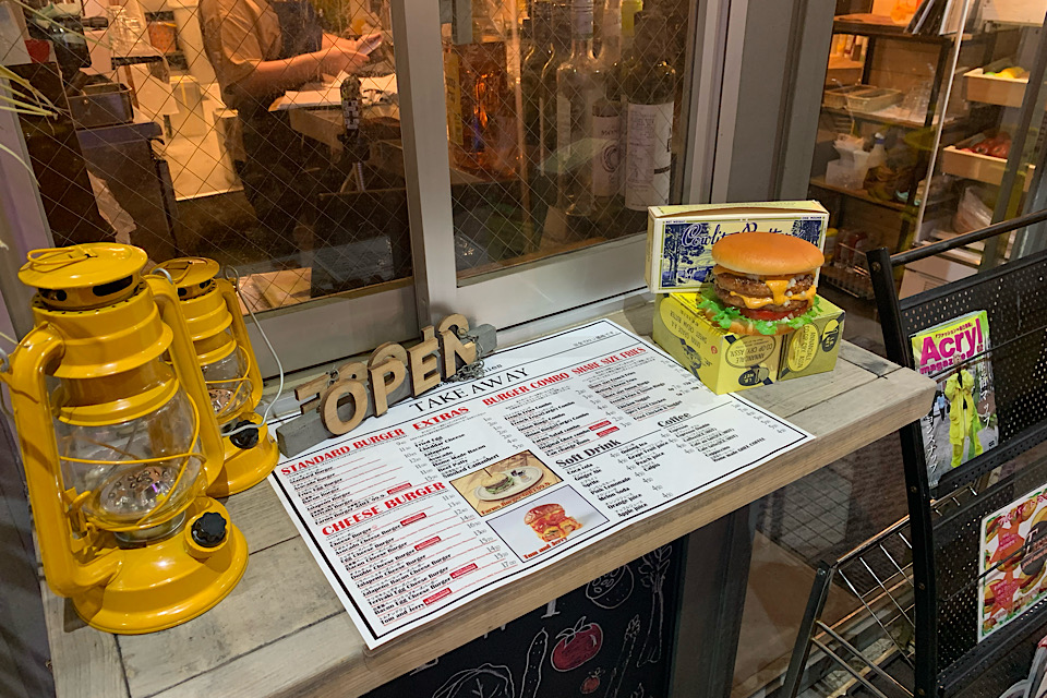 【原宿カフェ】溢れるチーズに悶絶…!脂肪燃焼&美容にも良い後悔させない絶品ハンバーガー♡_1