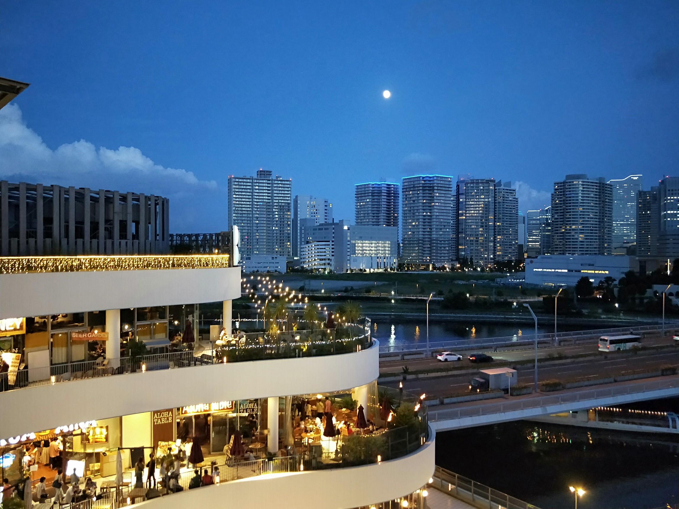 【横浜】ランタンナイト と 夜パフェ で終電まで遊んじゃおう_1