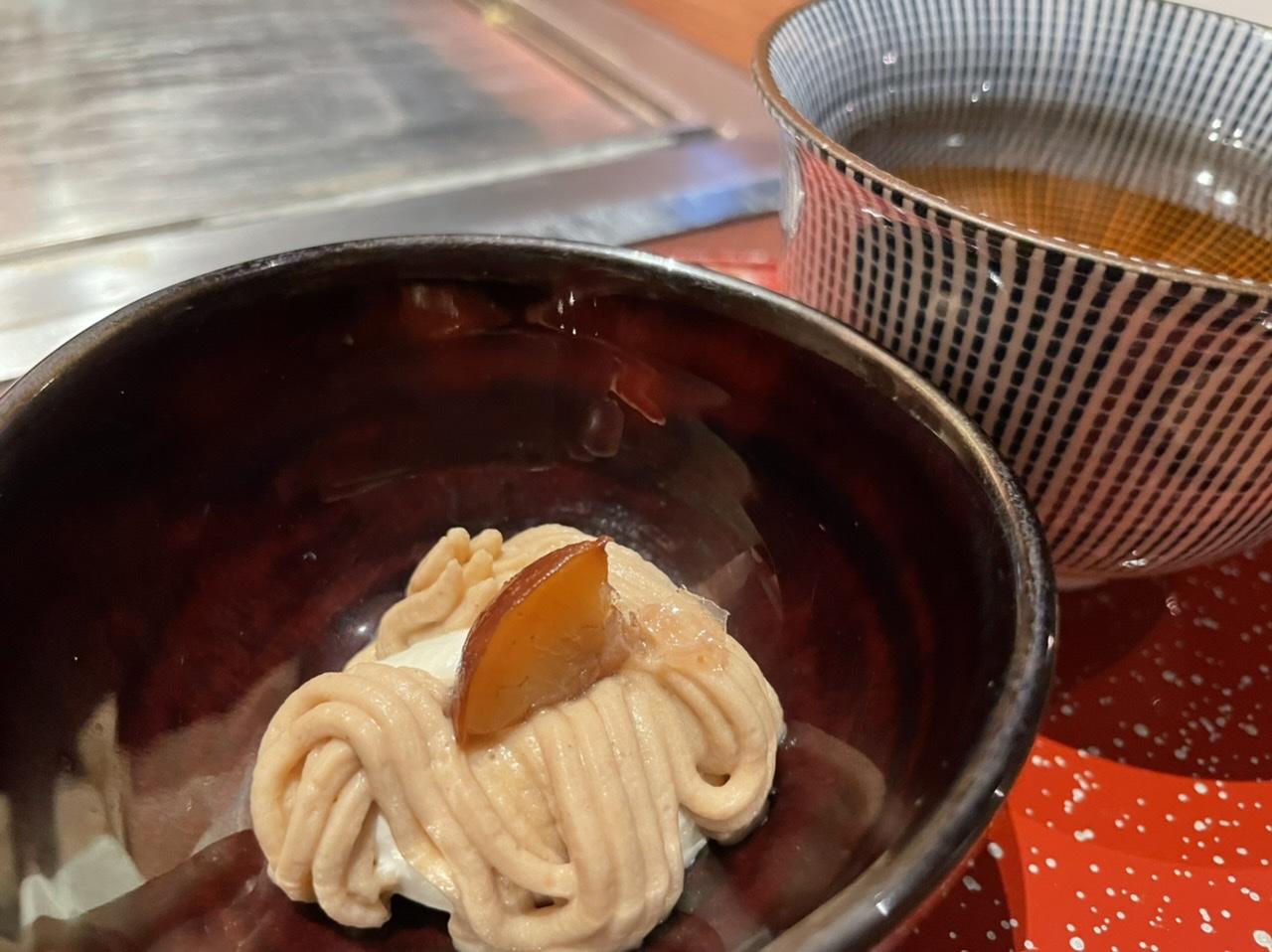 フルコースのデザートのモンブラン