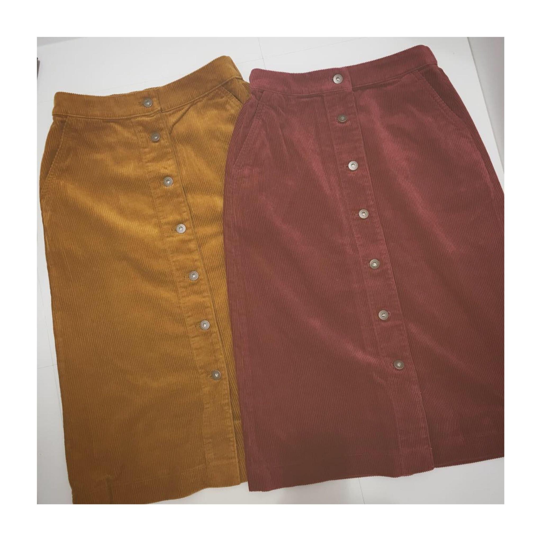 《今季トレンド❤️》【UNIQLO】のコーデュロイフロントボタンスカートが使える!☻_1