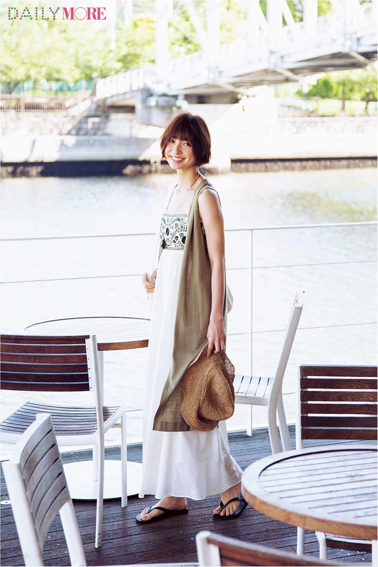 待ち合わせはテラス席。休日の麻里子はマキシワンピでおしゃれする~水辺のテラス編~_1