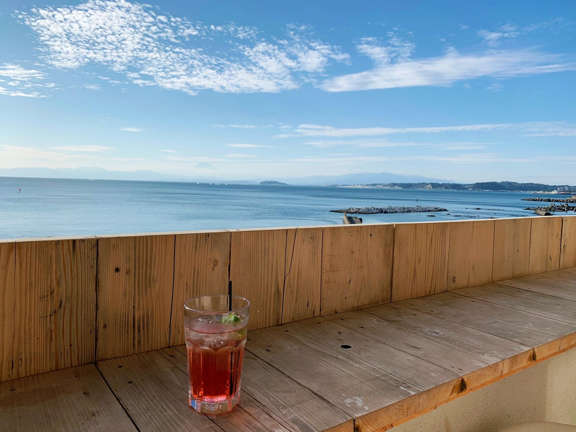 【女子旅】ソファでゆったりと海を眺められるカフェ♡_4