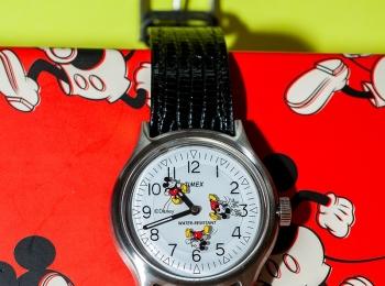 ミッキーがくるくる回る! 『TIMEX』×『BEAMS BOY』のディズニーデザイン時計に注目です