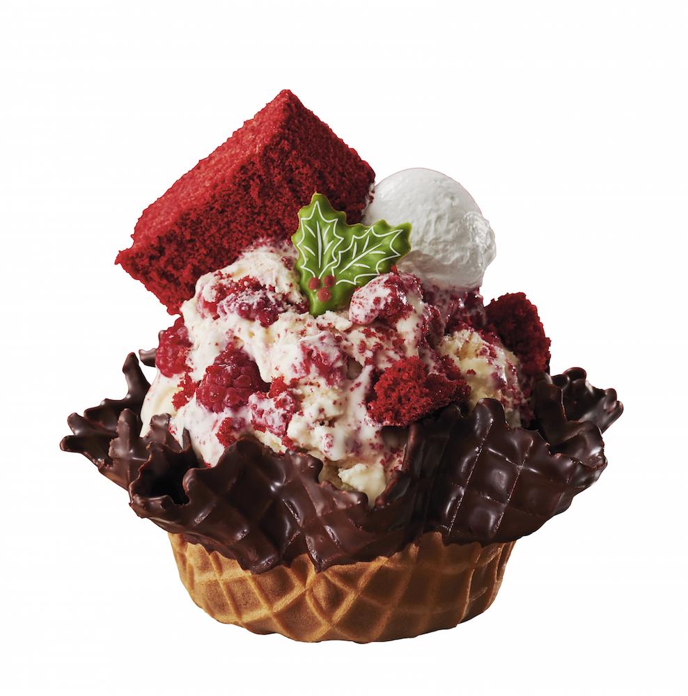 『コールド・ストーン・クリーマリー』のクリスマスは、【赤】がカワイイレッドベルベッドケーキ♡_1