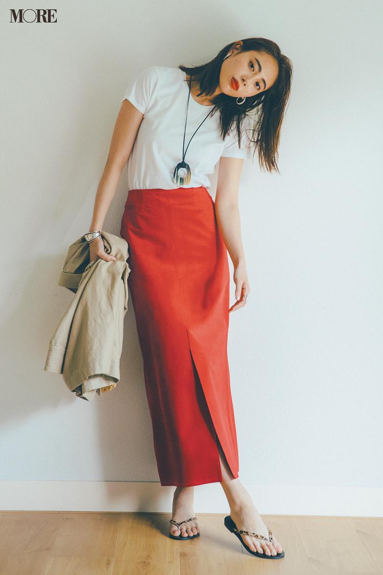 【今日のコーデ】<土屋巴瑞季>おしゃれ上級者への近道!カジュアルなTシャツにはレディなスカート一択_1