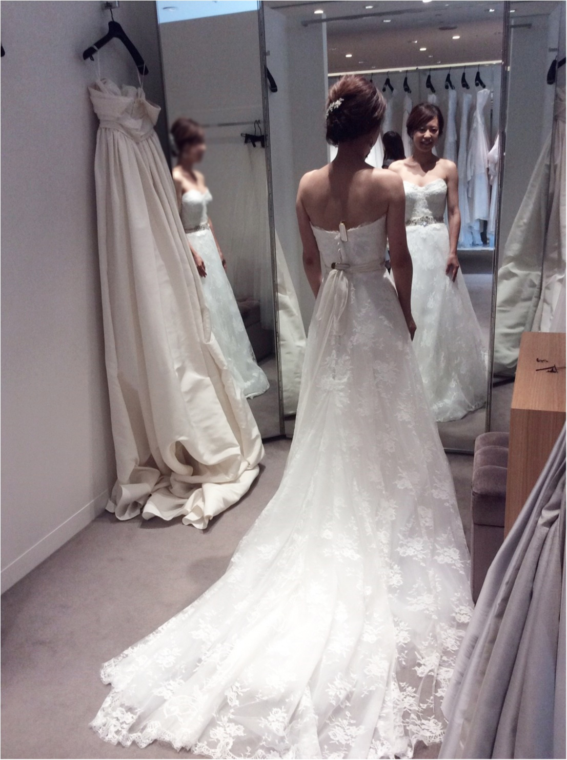 卒花さんに聞く【ドレス特集】-  結婚式・二次会におすすめ! プレ花嫁さんに人気のおしゃれなウェディングドレスは?_3
