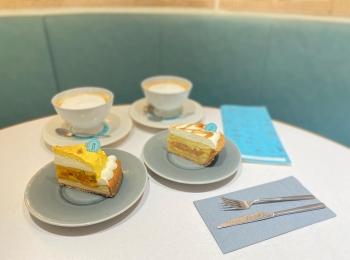 【新宿 落ち着いたカフェ】で検索する人必見。リチュエルブルーの素敵カフェをご紹介