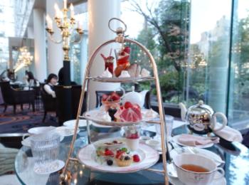 【大阪】ウェスティンホテル大阪の「Berry Berry アフタヌーンティー」でいちごを堪能!お庭に鯉も泳いでいて癒やされた