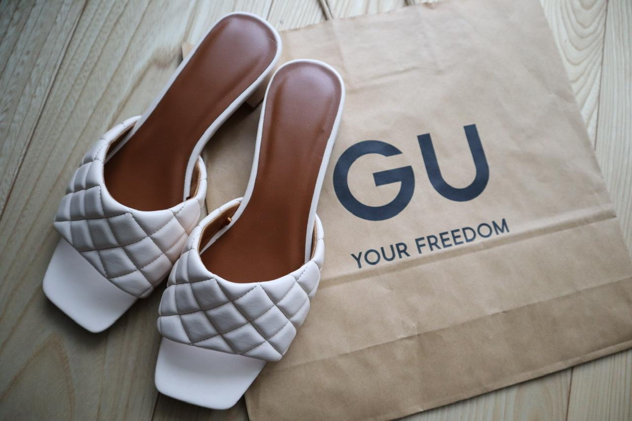 《あのハイブランド風⁈❤️》【GU】完売続出!のキルティングフラットサンダル☻_1