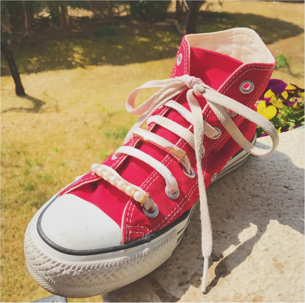 《いつもの靴を簡単ドレスアップ♪》春に履きたい白スニーカー!私は『シューピアス』で周りと差をつける‼︎_3
