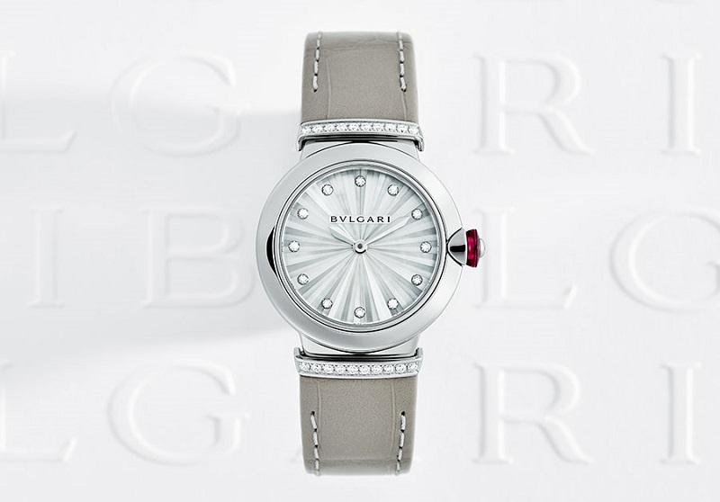 ホワイトデーギフトに、『ブルガリ』の白アイテム。時計