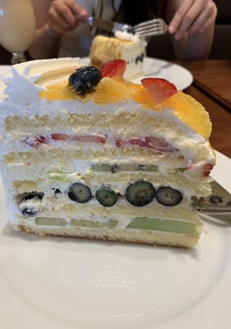 【HARBSのケーキ初めて食べてきたよ♡】_2