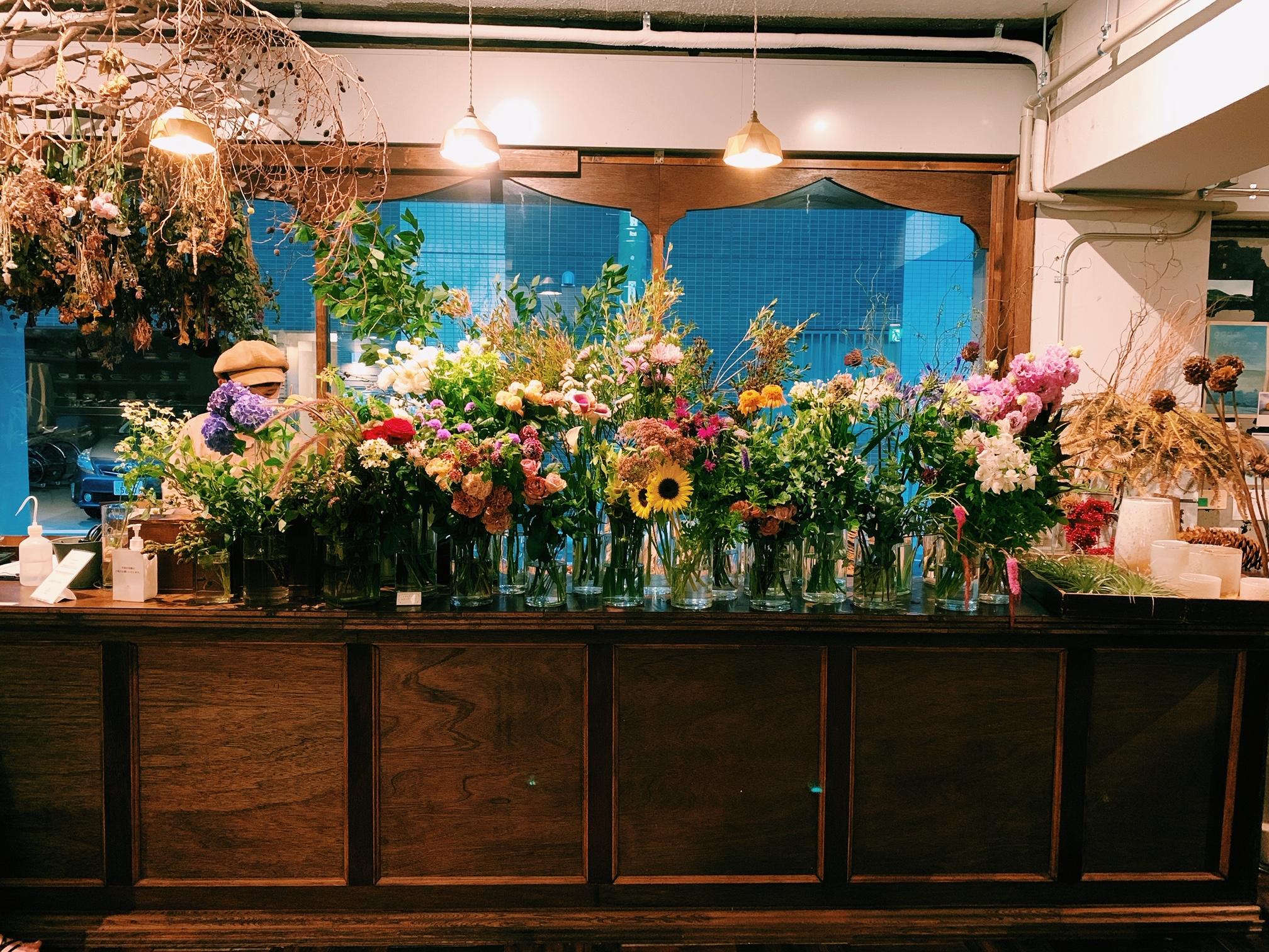 【おすすめカフェ】扉を開けると《お花×アンティーク》の素敵空間♡_4