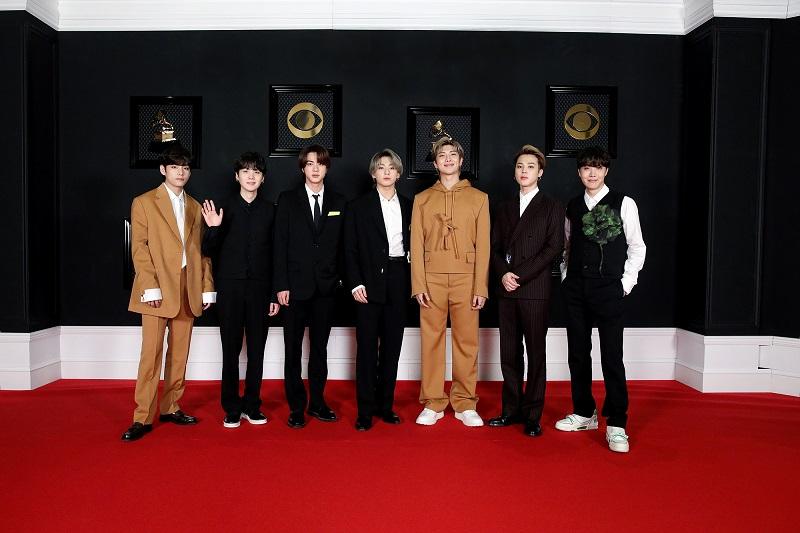BTS、グラミー賞レッドカーペットでの衣装