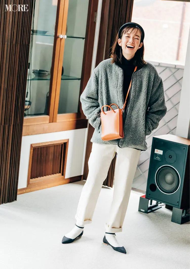 2021最新おすすめアウターの『オーシバル』のボアジャケットを着た全身コーデ