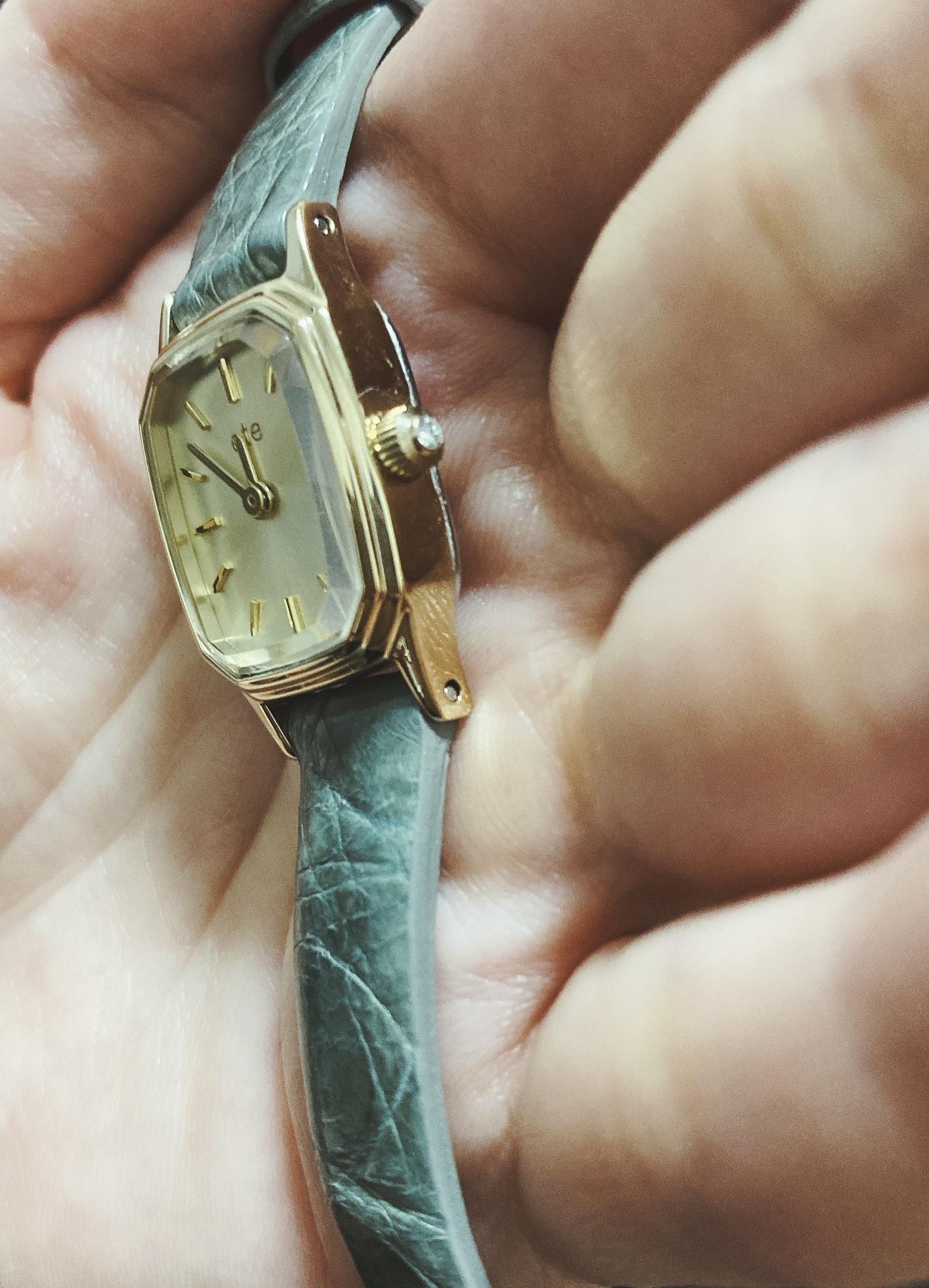リューズ ダイヤモンド 腕時計