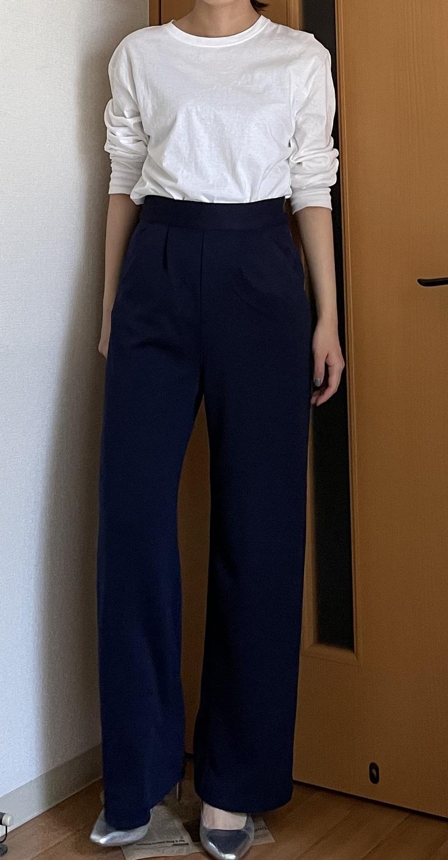 神戸レタスのネイビーパンツ、正面、サイド、後ろ姿