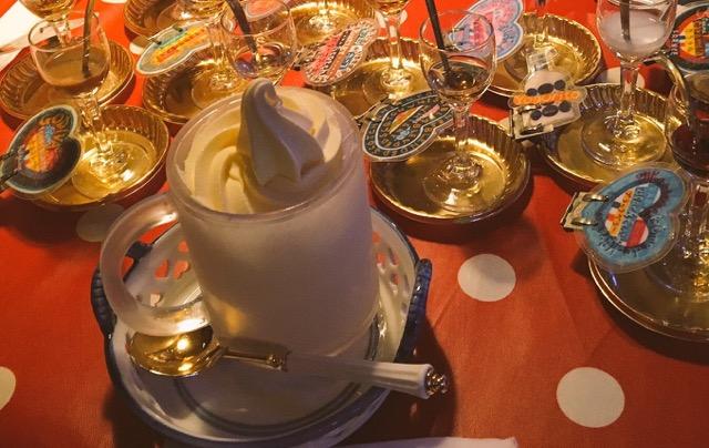 札幌すすきの《ミルク村》でアイスクリームにリキュールをかけて食べる新しい体験を!!_1