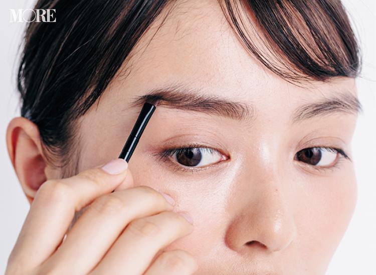 あなたの眉はもう古い⁉ 2020年のお仕事眉の正解教えます。美眉を保つ油分OFFテクや、表情激変のコンシーラー使いなど、テクニック満載♡ PhotoGallery_1_10