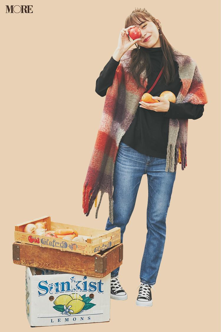 マーケットで新鮮野菜をゲット! 井桁弘恵主演『イージーパンツでノンストレスコーデ』着回し11日目_1