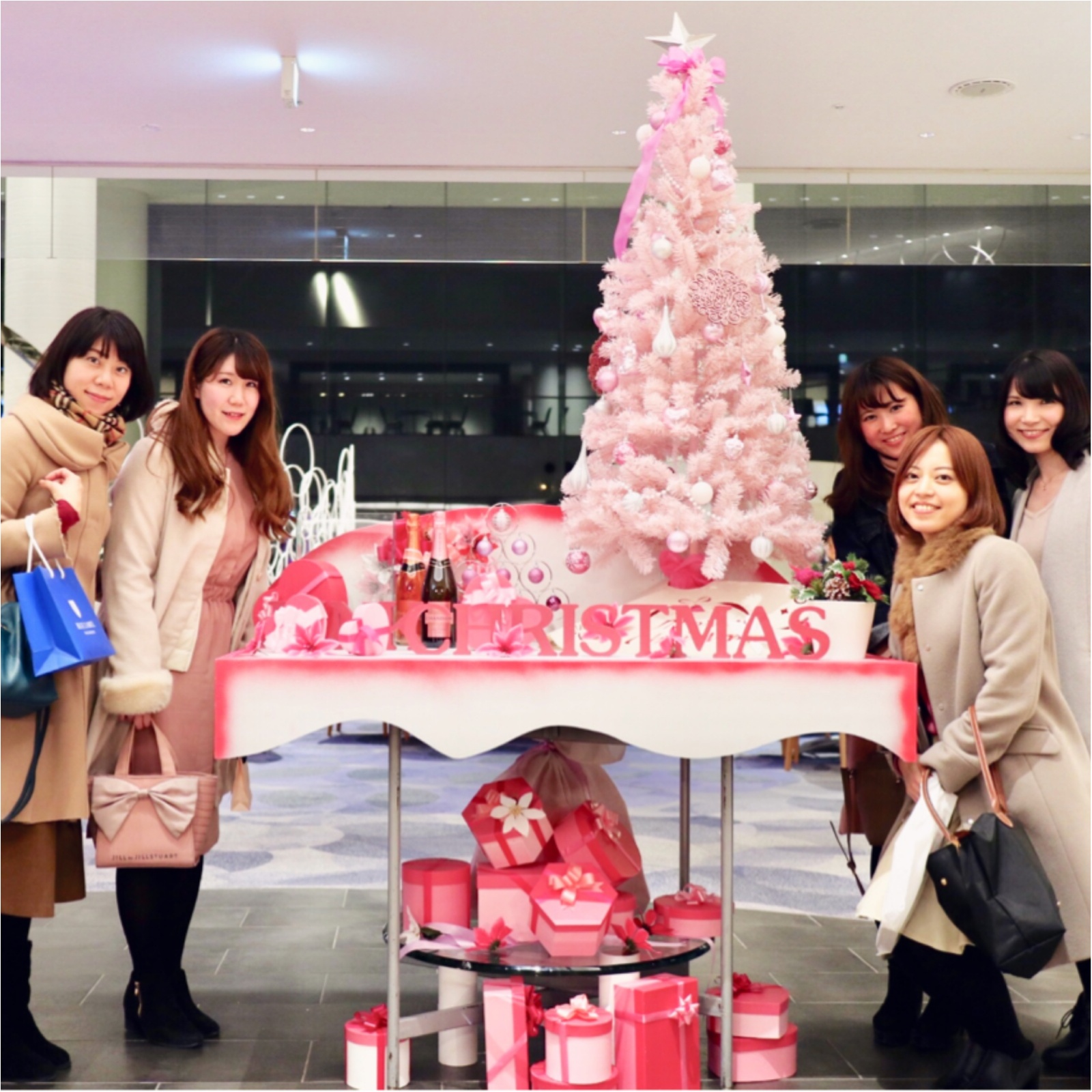 ヒルトン東京ベイ【ピンク・クリスマス】ビュッフェで今年最後のモアハピ女子会♡_9